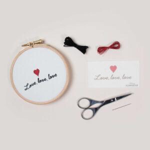 Kit easy broderie Love, love, love