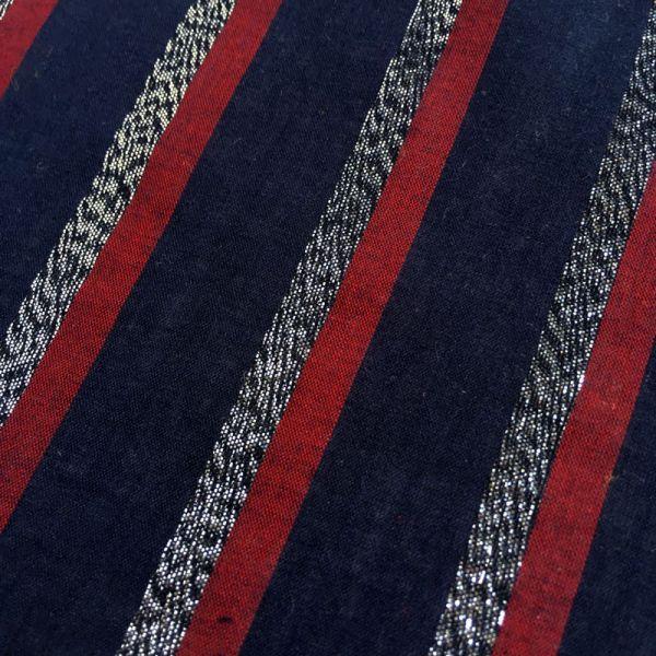 Tissu rayé argent, rouge, bleu foncé