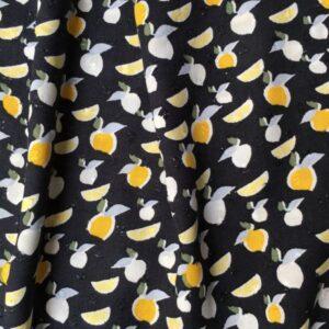 Tissu citron sur fond noir