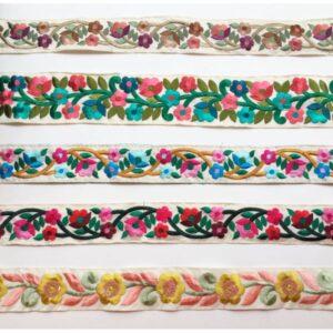 ganse brodée fleurs pastels
